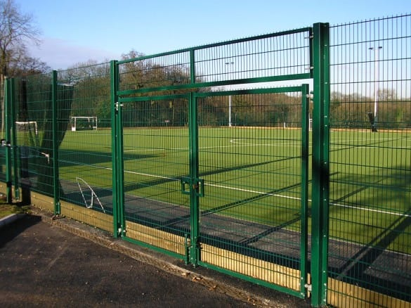 single double leaf fencing gate